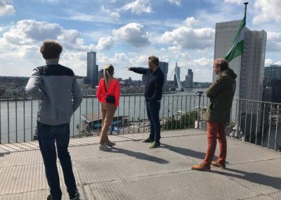 Breng een bezoek aan het dak Het Witte Huis en kijk over Maas en Binnerotte uit.